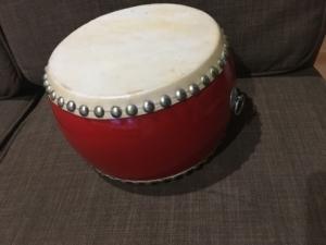 たたく時に使っていた太鼓です。
